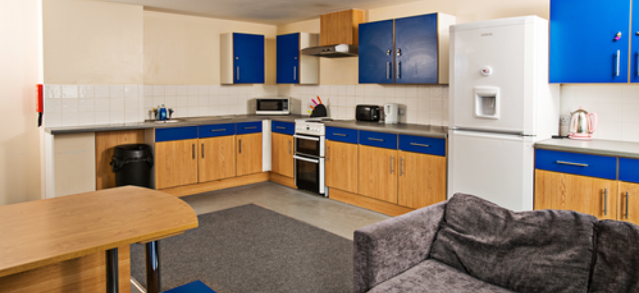 Chesil flat kitchen