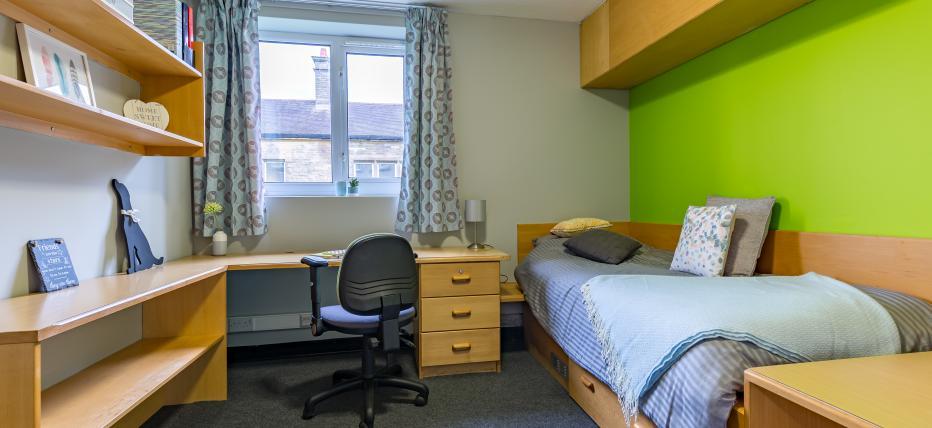 Classic Plus Ensuite bedroom