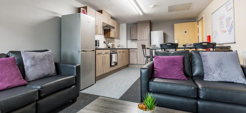 Premium Plus 5 Bed Kitchen