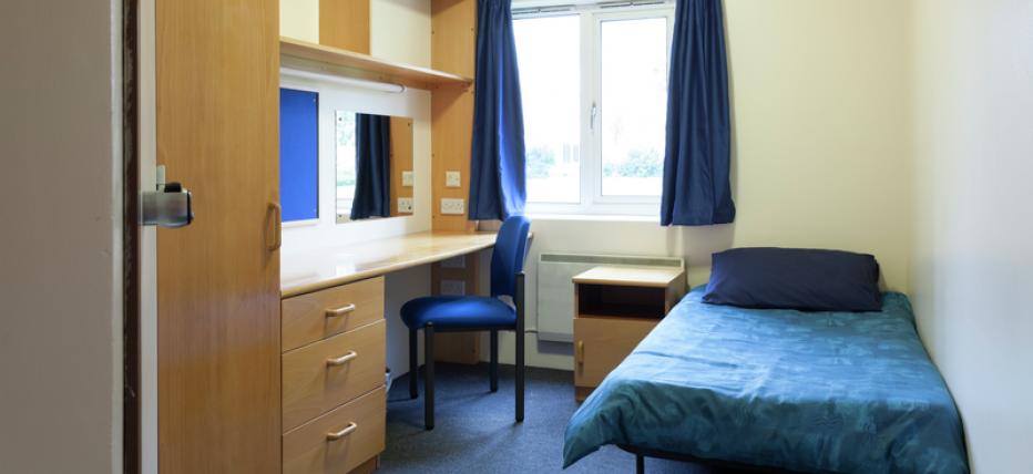 Standard Single Bedroom