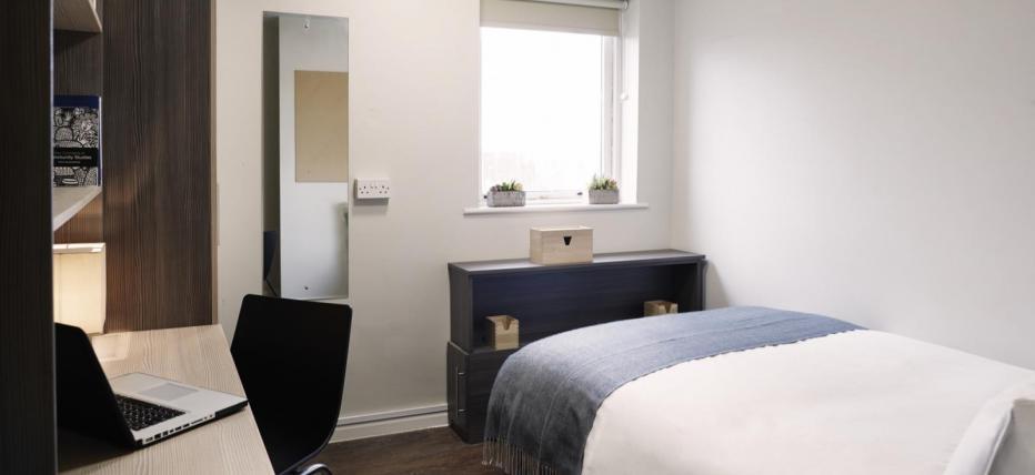 Silver 3 Bed Bedroom