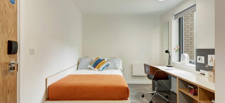 Shared En-suite Flat
