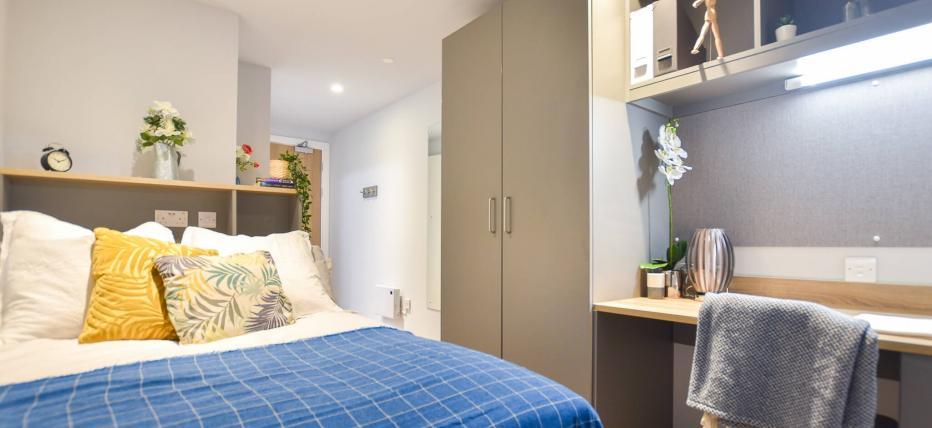 4 Bed Silver En Suite