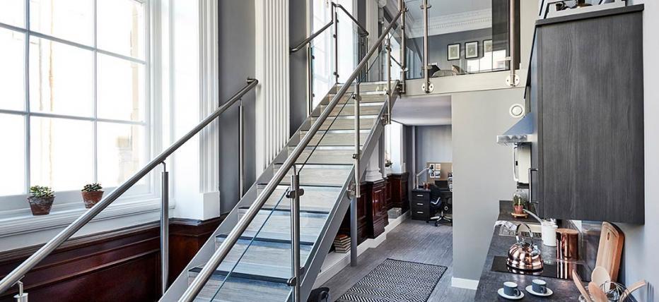 Deluxe Mezzanine Apartment