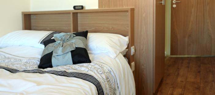 Bedroom, bed, wardrobe