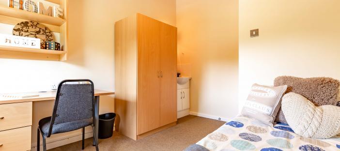 Ashenhurst Houses bedroom