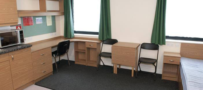 Self Contained Studio - University Square - Bed, Study and Kitchen area