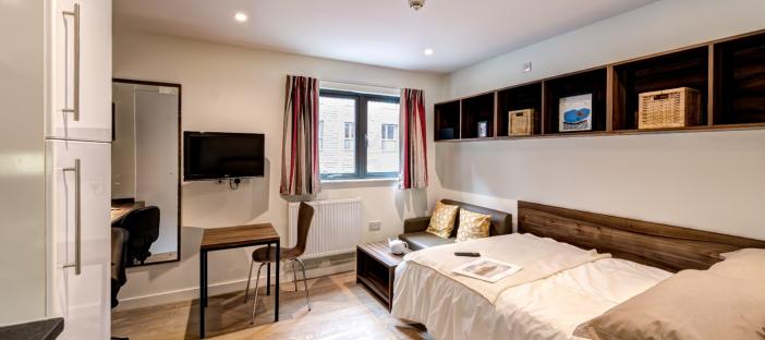 Premier Studio - Bed, sofa, desk and chair