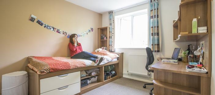 Park Wood House bedroom (5 bed)